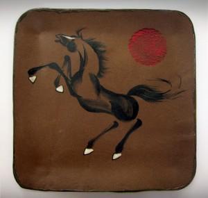 sq horse platter